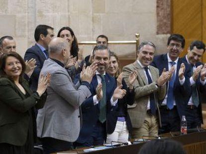 """Vox advierte al Gobierno andaluz que será """"hostil"""" si incumple el acuerdo de reducir el sector público"""