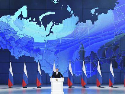 El presidente ruso, Vladímir Putin, en su discurso sobre el estado de la nación ante el Parlamento en pleno, este miércoles en Moscú.