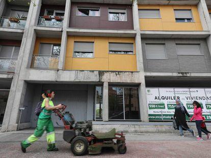 Bloque de viviendas de alquiler social vendidas al fondo buitre Fidere (Blackstone) en la etapa municipal de Ana Botella ubicado en el barrio madrileño Carabanchel.