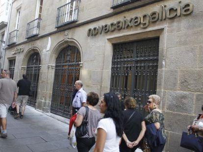 Edificio de la obra social de Novacaixagalicia en el Preguntoiro, en Santiago