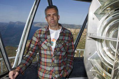 Mario Sanz, en la torre de Mesa Roldán, en el Cabo de Gata.