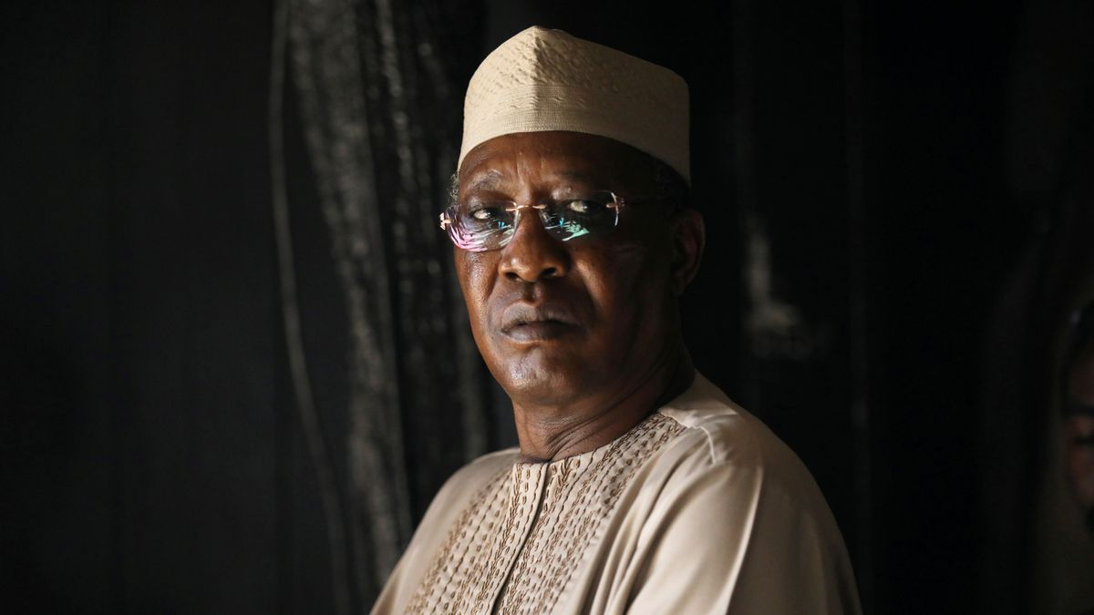 Idris Déby: Muere el presidente de Chad en un combate contra rebeldes pocas  horas después de ser reelegido   Internacional   EL PAÍS