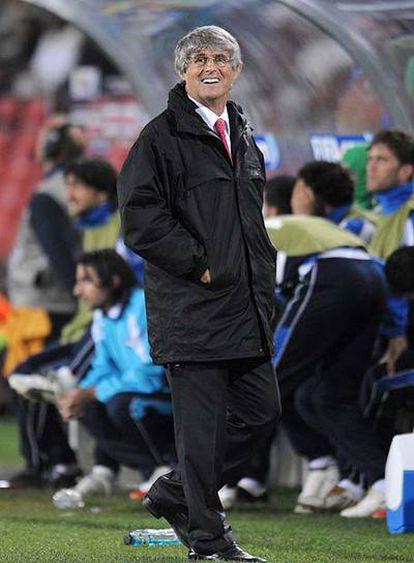 Bora Milutinovic, durante un partido de la Copa Confederaciones.