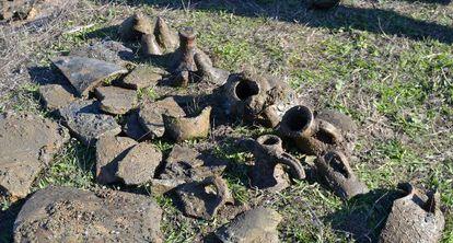 Restos de ánforas halladas en el Paraje Marismas del Odiel.