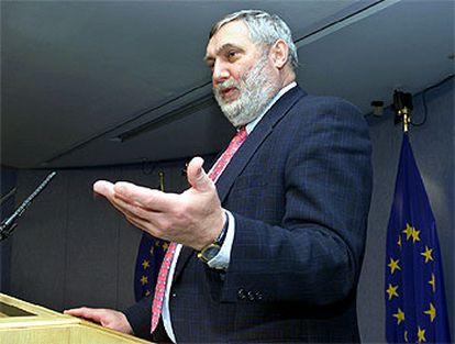 El comisario europeo de Agricultura, Franz Fischler, durante la presentación ayer de la reforma.