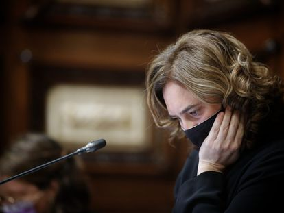 Ada Colau en un pleno del Ayuntamiento de Barcelona.