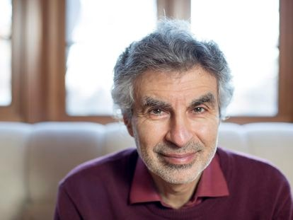 Yoshua Bengio, Premio Turing 2018, en su casa de Montreal.