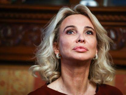 La empresaria Corinna Larsen, examante de Juan Carlos I, en la Embajada de Italia en Moscú, en febrero de 2019.