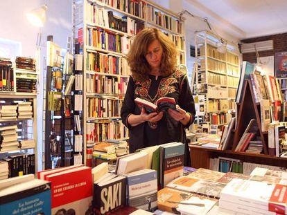 Lola Larumbe, en la librería Rafael Alberti.