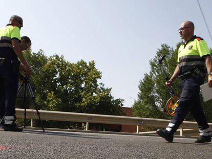Imagen de archivo de efectivos de emergencias en un accidente de tráfico.