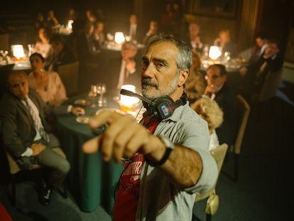 Javier Fesser, en el rodaje de 'Historias lamentables'.