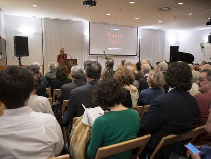 María Cifuentes, editora de Santos Juliá, durante su intervención en el homenaje celebrado ayer en Madrid.
