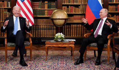 Joe Biden y Vladímir Putin, durante su encuentro  del 16 de junio en  Génova (Suiza).