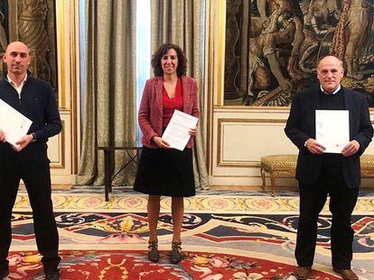 La presidenta del Consejo Superior de Deportes, Irene Lozano, junto al presidente de la RFEF, Luis Rubiales, y de LaLiga, Javier Tebas.