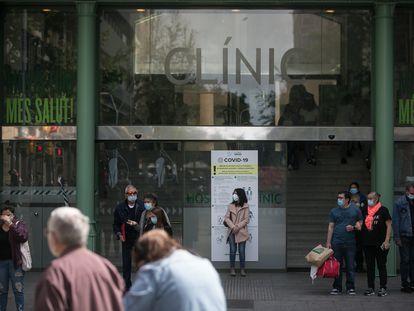 En la imagen, acceso principal del Hospital Clinic. [ALBERT GARCIA]