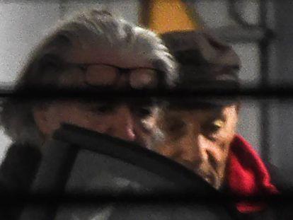 Claude Sinke (con gorra), el acusado del atentado en la mezquita de Bayona, el pasado miércoles en el tribunal de esta localidad francesa.