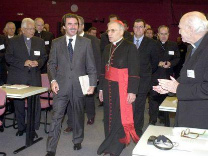 José María Aznar y Antonio María Rouco Varela, en 2002 en El Escorial.
