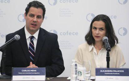 Carlos Mena titular de la Autoridad Investigadora de la Comisión de Competencia Economica y Alejandra Palacios, comisionada-presidenta de la Cofece