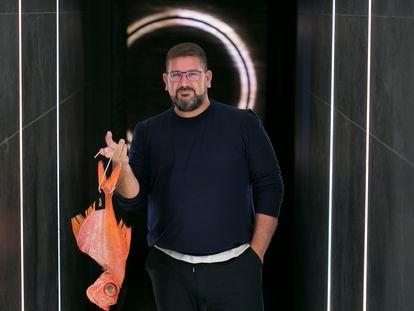 El chef Dani García, en su nuevo restaurante, Leña, en el hotel Hyatt Regency Hesperia, en Madrid.