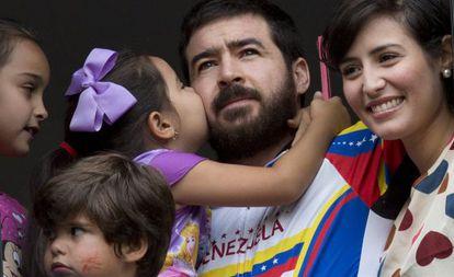 Ceballos junto a su familia el 12 de agosto en Caracas.