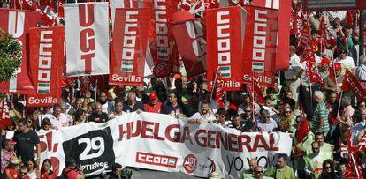 Manifestación en Sevilla con motivo de la huelga general del 29 de septiembre de 2010.