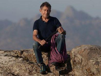 El alpinista abulense continúa con su proyecto de ser la persona de más edad en subir los 14 ochomiles, pese a no tener patrocinador