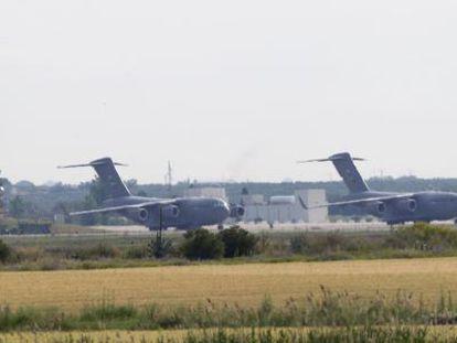 Aviones de transporte de la Fuerza Aérea de Estados Unidos, en la base de Morón de la Frontera.