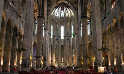 Santa María del Mar, en Barcelona. Siglos después de su construcción, las catedrales siguen siendo lugares de magia y sugerencia.
