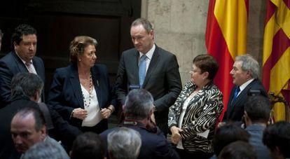 Fabra, tras la presentación del plan de empleo, con Rita Barberá, Luisa Pastor y Alfonso Rus.