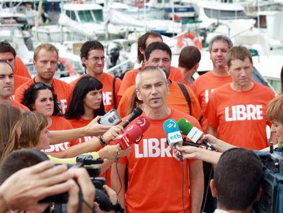 El dirigente de la 'izquierda abertzale' Joseba Permach, junto a otros procesados en los sumarios de las 'herriko tabernas' y Segi.