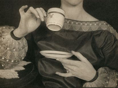 Margaret Watkins. Untitled (Verna Skelton Posing for Cutex Advertisement), New York, 1924.
