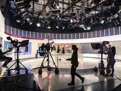 Uno de los platós de la televisión autonómica valenciana À Punt.