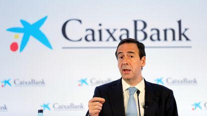 El consejero delegado de CaixaBank, Gonzalo Gortázar, en la presentación de los resultados del trimestre del año, este jueves.