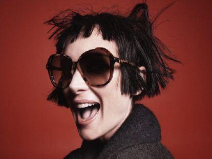 La actriz Winona Ryder en la campaña de la nueva colección de Marc Jacobs.