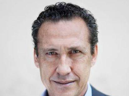 Jorge Valdano protagonizó la primera portada de la revista Líbero lanzada en el verano de 2012