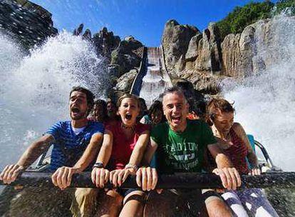 La atracción  Tutuki Splash, en Port Aventura (Tarragona).