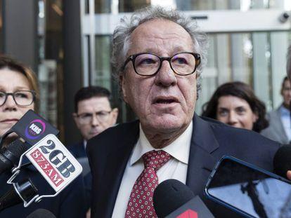 Geoffrey Rush, tras conocer la sentencia este jueves en Sidney.
