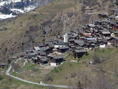 Vista de la localidad de Albinen, el pueblo de Suiza que se plantea ofrecer hasta 21.500 euros por cada nuevo vecino adulto.