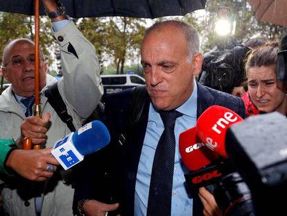 Tebas, a su llegada a los juzgados. En vídeo, declaraciones del presidente de LaLiga, este jueves.