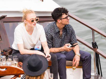 Joe Jonas y Sophie Turner, en París.