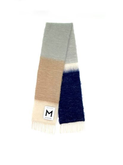 Bufanda de lana y mohair Moisés Nieto.