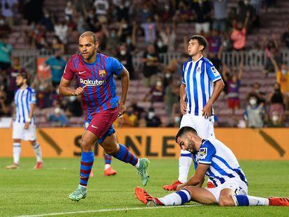 Martin Braithwaite celebra su segundo gol ante la Real Sociedad este domingo en el Camp Nou.