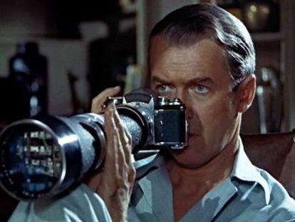 James Stewart en un momento de 'La ventana indiscreta', de Alfred Hitchcock.