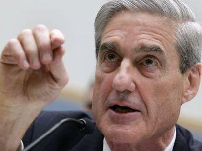 Paul Manafort, exjefe de campaña, y un colaborador son los primeros imputados por una docena de delitos. Un exasesor confiesa haber mentido sobre sus contactos con Rusia