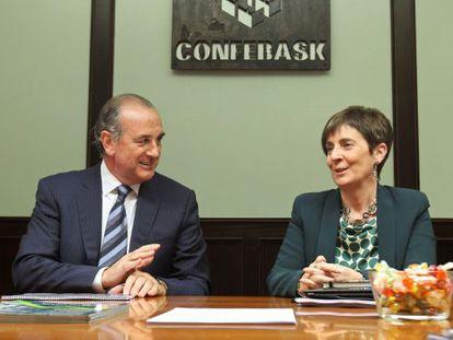 La consejera de Desarrollo Económico, Arantza Tapia, y el presidente de Confebask, Miguel Ángel Lujua.