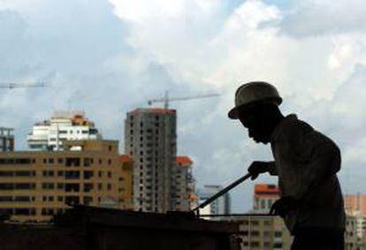 Las principales áreas de actuación de los extranjeros, según el ministerio, fueron ingeniería, tecnología, análisis de sistemas, petróleo y gas, construcción civil y obras de infraestructura. EFE/Archivo