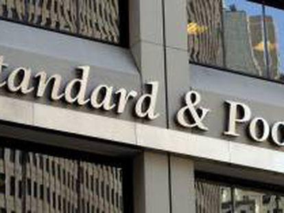 Fachada de la sede de Standard & Poor's en Nueva York, Estados Unidos. EFE/Archivo