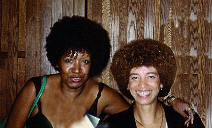 Lélia Gonzalez y Angela Davis, en Estados Unidos, en 1984.