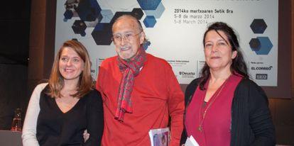 Azkuna, entre Laure Kaltenbach, directora de Forum d'Avignon (izquierda) y Lourdes Fernández, cuando se presentó la cita en Bilbao el pasado 6 de febrero.