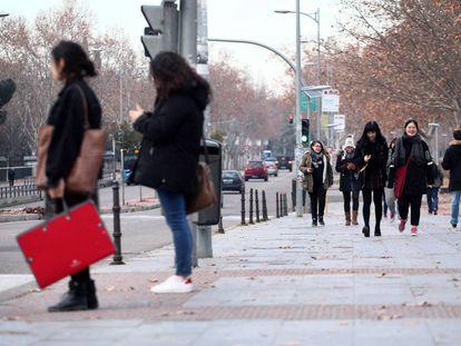 Alumnos en la Ciudad Universitaria, donde se ubica la Universidad Complutense de Madrid.